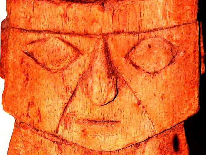 Ídolo de madera, cultura Chancay. Foto M. González Olaechea